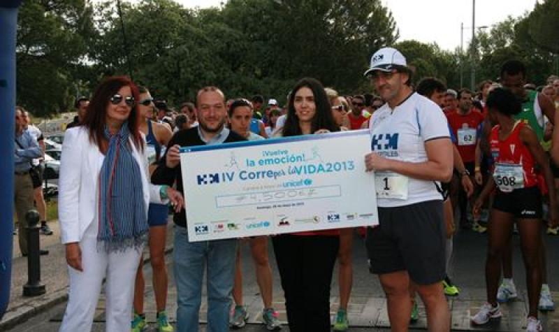 Cerca de un millar de personas han corrido la 'IV Carrera Popular Solidaria HM Corre por la Vida' - Gine4